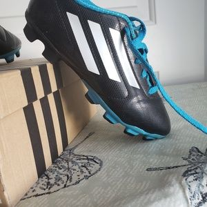 Unisex Adias youth soccer cleats